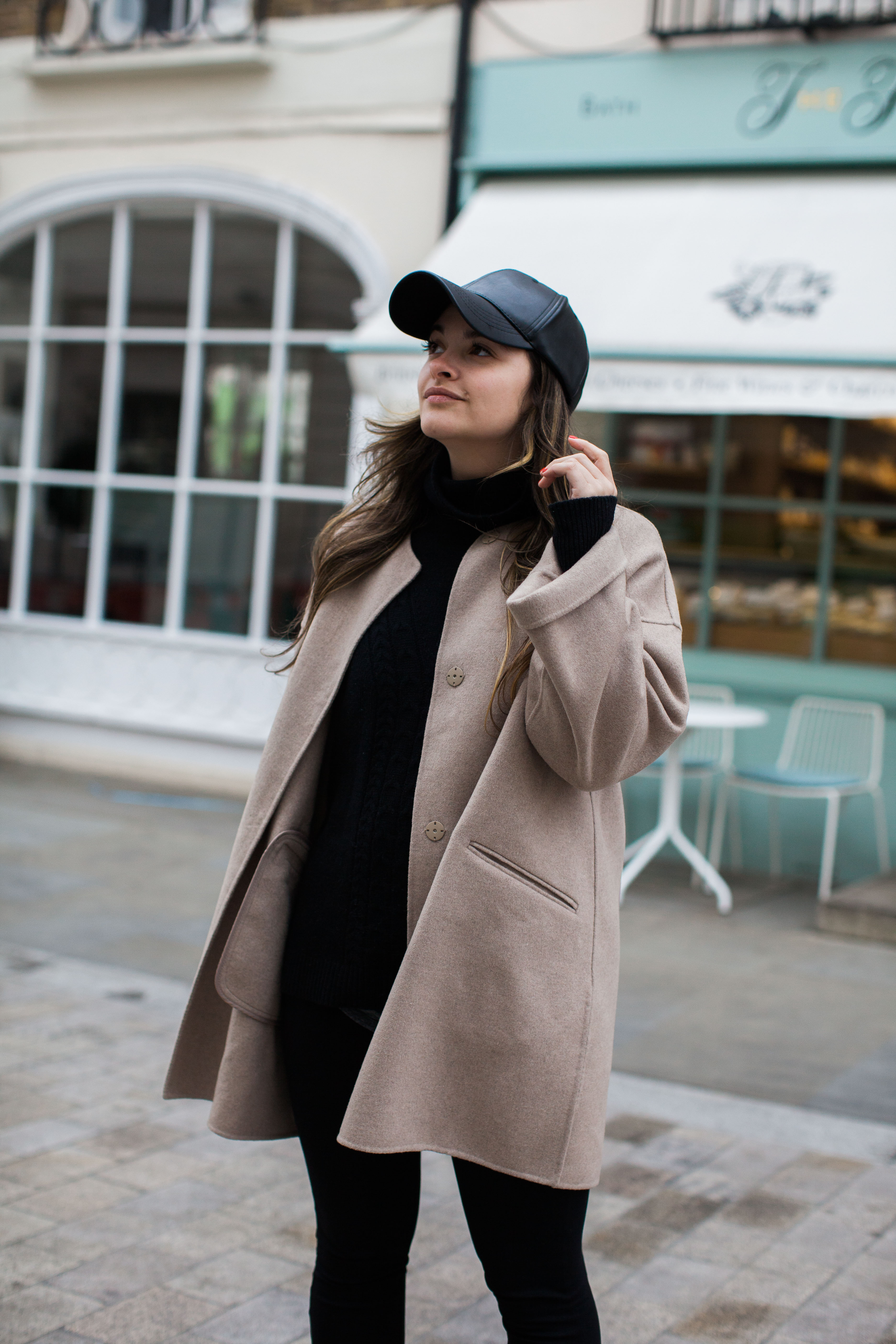 The Trendiest Clothes For Traveling by fashion blogger Dana from Pink Champagne Problems